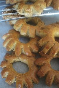 Ka?¢k Wejdi Or Moroccan Sunny-Shaped Cookies!