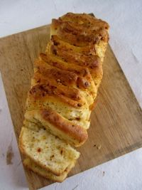 Herb & Cheese Pull-apart Bread