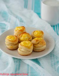 Muffins With Cheese