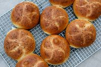 Kimmelweck Rolls