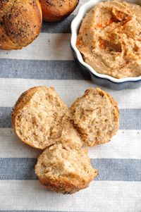 Whole Wheat Clover Bread Rolls With Creamy Hummus