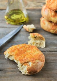 Buns With Aromatic Herbs And Cheddar