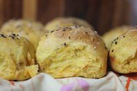 Carrot And Poppy Seed Dinner Rolls