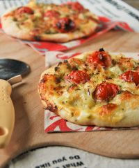 Pizza With Cauliflower And Tomatoes