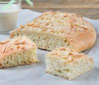 Sugar And Almond Cake