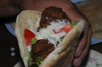 Pita With Falafel And Sauce