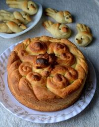 Eggless Slovak Paska And Peeps