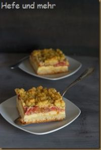 Rhubarb And Custard Streusel Cake