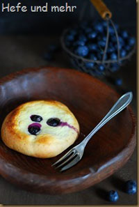 Quark Blueberry Pastries