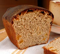 Sourdough sweet bread with cinnamon and apricots