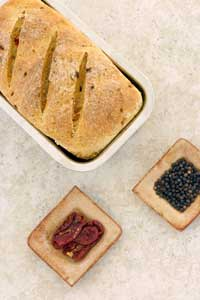 Sun-Dried Tomato Peppercorn Bread