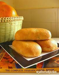Spicy Potato and Pea Bolsos (Filled Pocket Breads)