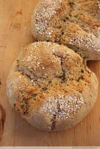 Haferkleienbrot / Oat Bran Bread