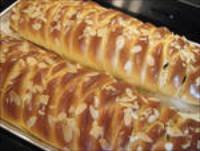 Apple &amp; Cream Cheese Braid