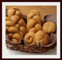 Savory Tomato Wheat Bread Rolls