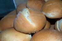 Light White Yeast Rols