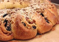 Cinnamon Raisin Breakfast Ring
