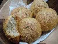 Parsley and Curry leaf bun