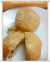 garlicky potato buns